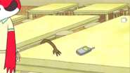 S03E16.056 Rigby Strugling To Get The Phone