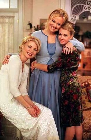 File:Spellman-Family-Photos-sabrina-the-teenage-witch-11719919-350-540.jpg