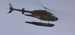 Norge Helicopter circling camp - The Thing (1982)