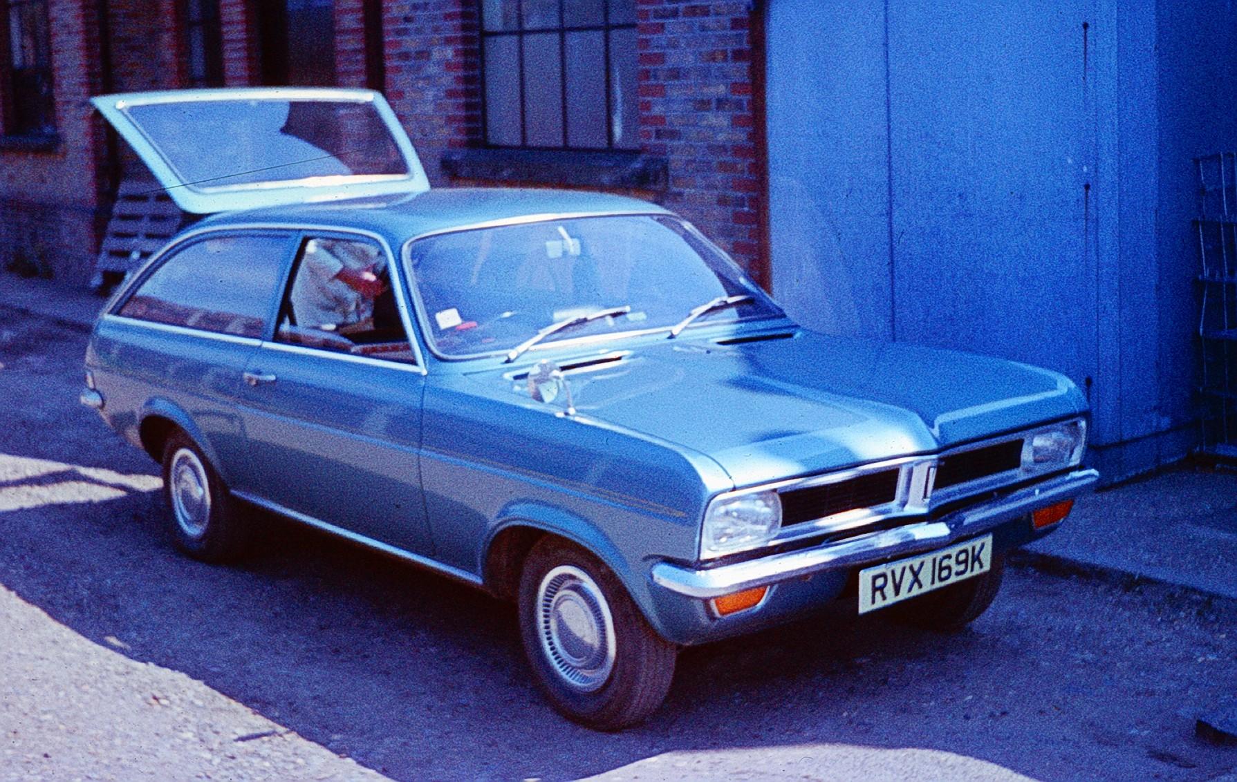 Avengers in Time: 1970, Cars: Vauxhall Viva HC