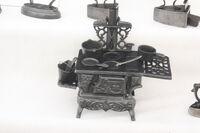Irons display miniature cast stove at cumbria 09 - IMG 0865