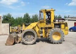 A 1980s Bray PS4000B Diesel Loader