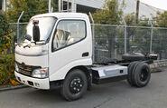 Hino Dutro Hybrid 001