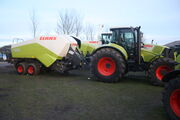 Claas Quadrant 3200 baler and Claas 840 tractor - IMG 4722