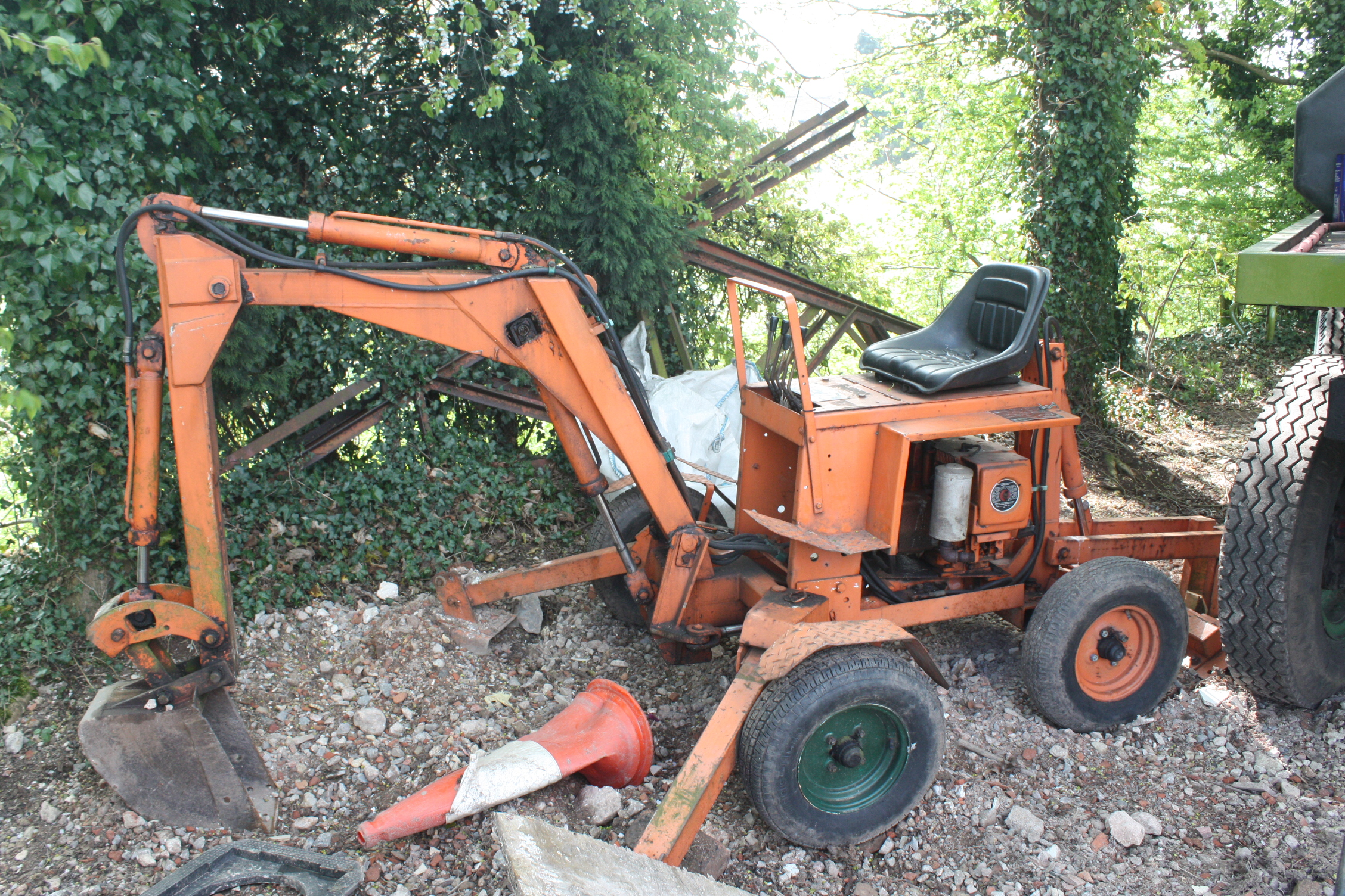 towed excavators tractor construction plant wiki fandom powerfab 125 excavator 7208