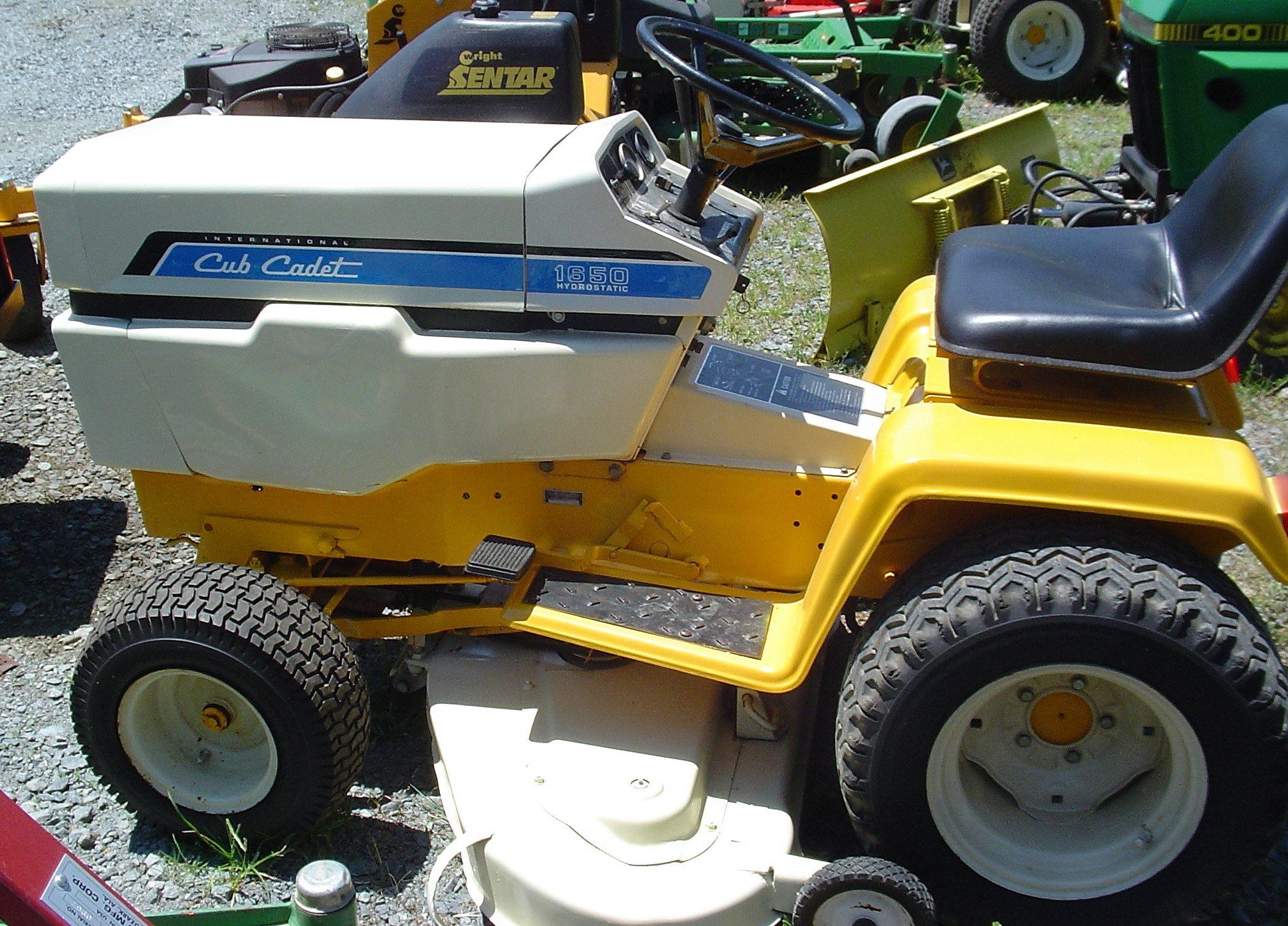 982 Cub Cadet Super Garden Tractor : International cub cadet tractor construction