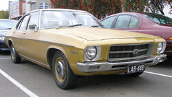 1971-1974 Holden HQ Kingswood sedan 01