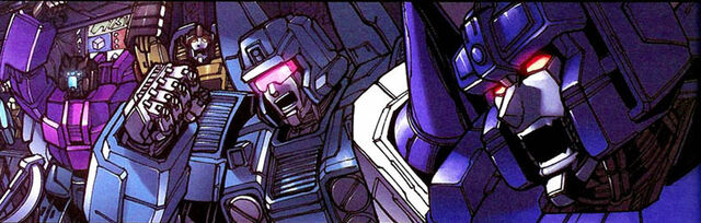 File:MegatronOrigin2 fightcrowd1.jpg