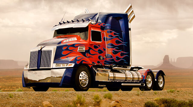 File:Optimus Prime - Western Star semi-truck.jpg