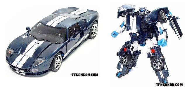 File:AlternatorsMirage toy.jpg
