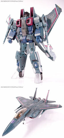 File:MasterpieceStarscream toy.jpg