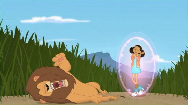 File:WalkOnTheWildSide Frankie vs lion.jpg