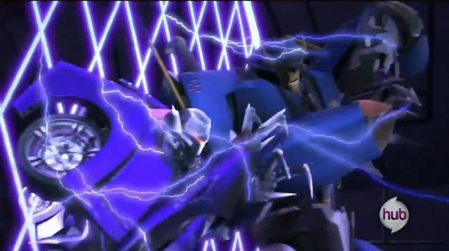 File:Prime-dreadwing-s02e11-zap.jpg