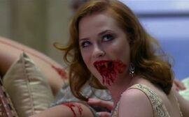 Queen-vampire-feeds-01