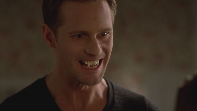 File:Erics Fangs Season4.jpg