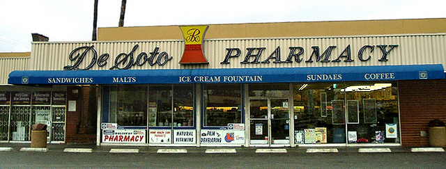File:De Soto Pharmacy.png