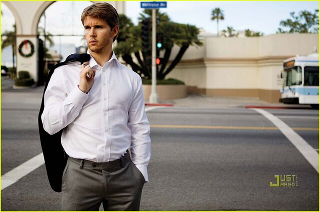 File:Ryan-kwanten-august-man-magazine-march-2010-09.jpg