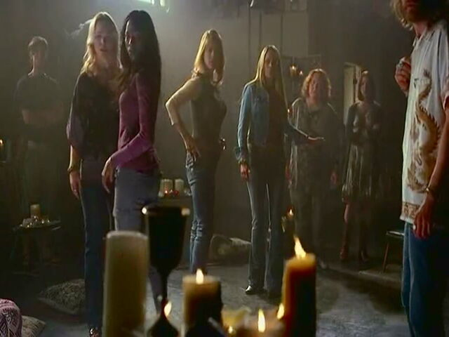 File:True Blood S4 ep.7(51).jpg