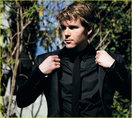 File:Ryan-kwanten-august-man-magazine-march-2010-08.jpg