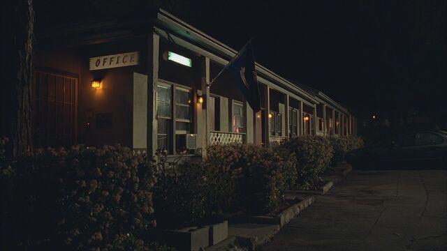 File:Motel1.jpg