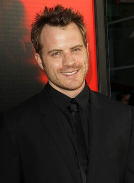 Robert-kazinsky-premiere-true-blood-season-6-02