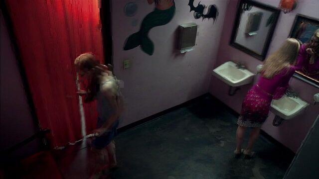 File:BathroomFangtasia.jpg