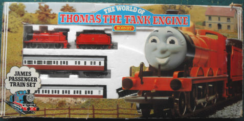 File:HornbyJamesPassengerTrainSet.png