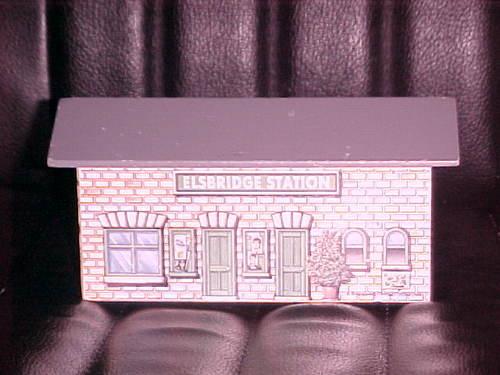 File:WoodenElsbridgeStation.jpg