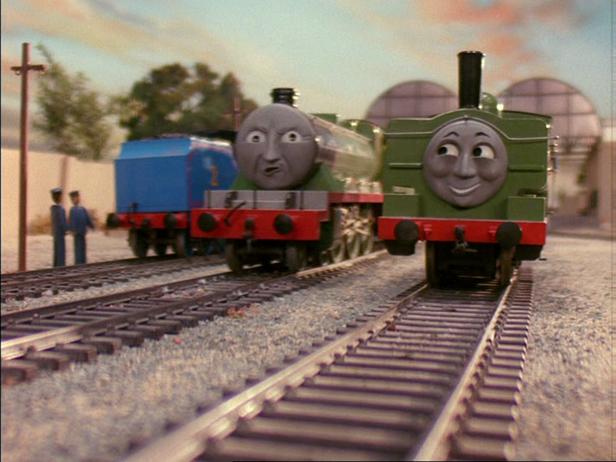 6台の古い炭水車