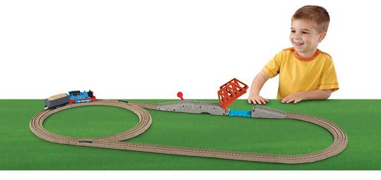 File:TrackMasterTalkingThomas'BridgeCrossing.jpg