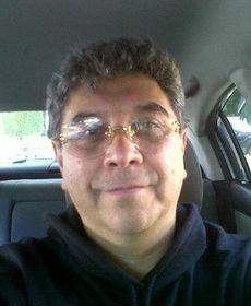 File:CarlosÍñigo.jpg