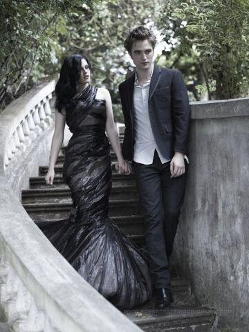 File:Robert Pattinson and Kristin Stewart in Bazaar (5).jpg