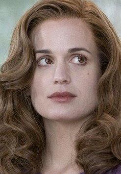 File:Elizabeth Reaser 24617 Medium.jpg