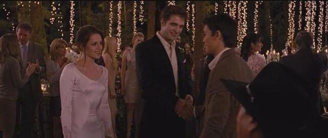 File:Seth & Edward shake hands in BD part 1.jpg