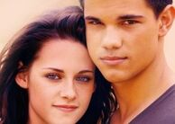 212px-KristenS-and-TaylorL-kristen-stewart-and-taylor-lautner-9350044-700-500