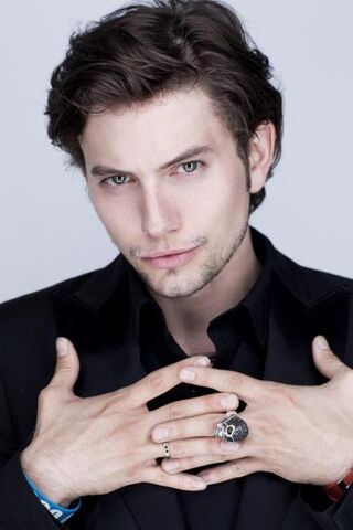 File:Jackson Rathbone.jpg