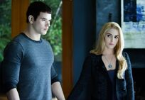 -Eclipse-DVD-Stills-HQ-emmett-and-rosalie-17413472-1102-764