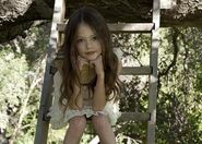 Mackenzie Foy Breaking Dawn 27s Newest Addition 1