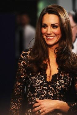 File:Kate-middleton-engagement-hair.jpg