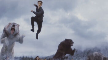 Robert-pattinson-edward-flying-with-twilight-breaking-dawn-2-wolfs1