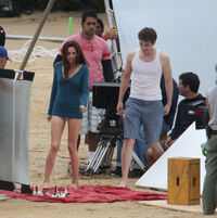 More-Breaking-Dawn-filming-robert-pattinson-and-kristen-stewart-17010637-2284-2300