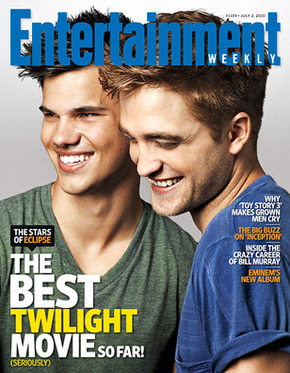 File:Robert-Pattinson-Taylor-Lautner-on-the-Entertainment-Weekly-EW-Cover article story main.jpeg