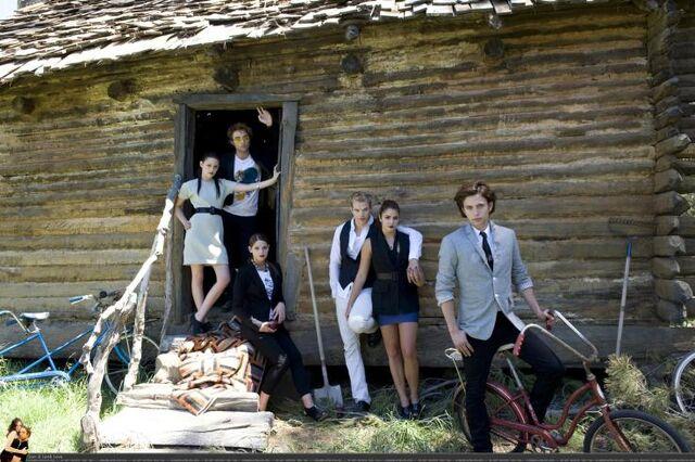 File:The twilight cast.jpg