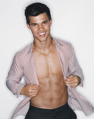 File:Taylor-lautner-fitted-shirts-twilight01.jpg