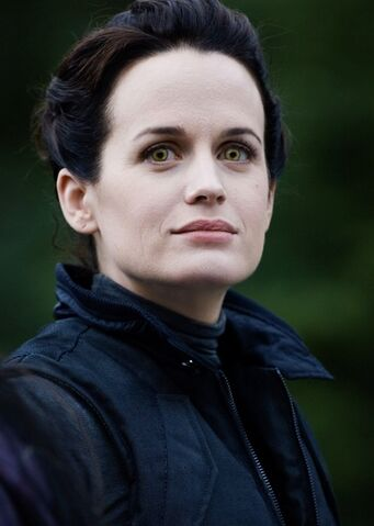 File:Esme-twilight-series-17532585-528-742.jpg