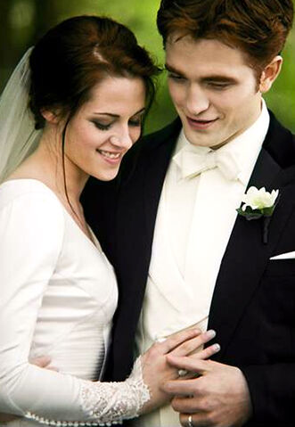 File:Edward and Bella Wedding Album Pix - edited (9).jpg