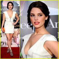 Ashley-greene-julie-julia