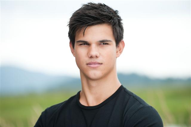 File:Eclipse-2010-new-Stills-jacob-black-13521112-2560-1703.jpg