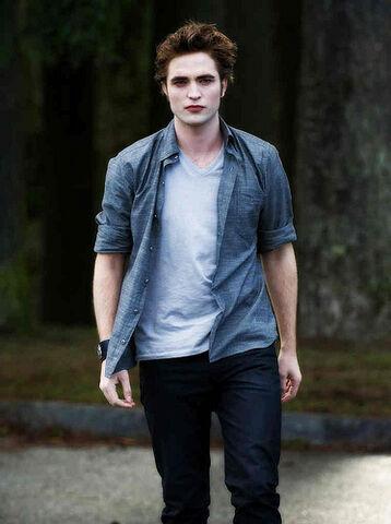 File:Edward Cullen New Moon.jpg