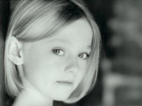 File:Younger Dakota Fanning.jpg